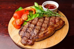 Недостаток мяса в рационе делает мужчин менее привлекательными